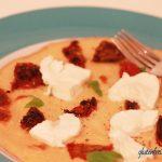 glutenfreier Pfannkuchen mit Tomaten & Mozzarella