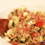 Quinoa Salat mit Avocado und Schafskäse