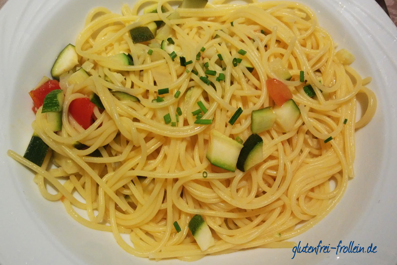 glutenfreie Spaghetti mit Gemüse