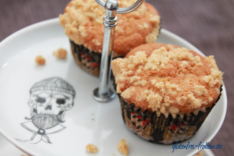 glutenfreie apfel muffins mit streuseln - nahaufnahme