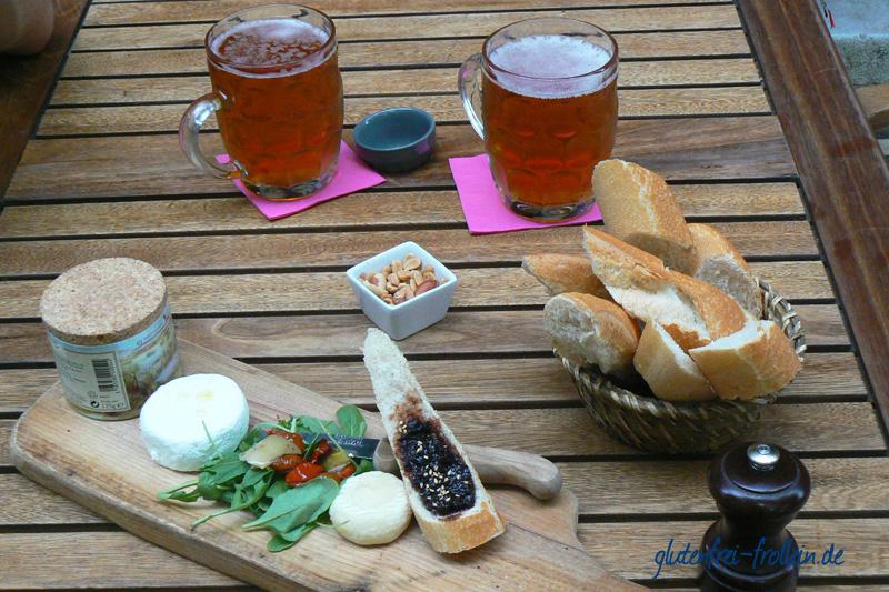 Baguette, Käse und Bier in Frankreich - leider glutenhaltig