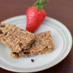 Chia-Powerriegel mit Kakaonibs – glutenfrei, laktosefrei & vegan
