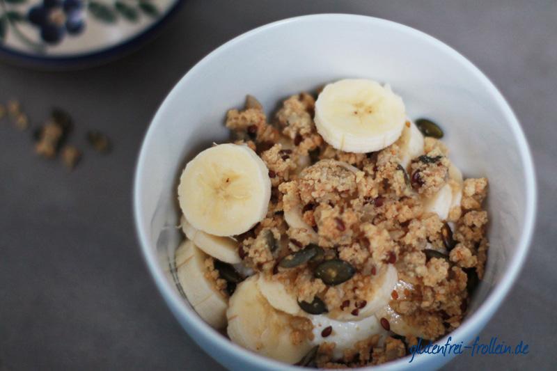 glutenfreies Frühstück - glutenfreies Müsli mit Banane