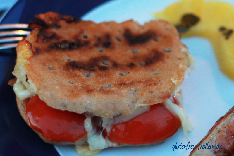 vegetarischer tomaten kaese sandwich gegrill