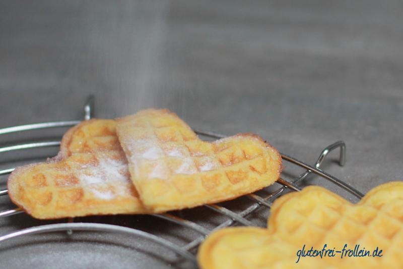 glutenfreie waffeln mit puderzucker