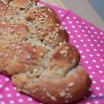 glutenfreier Hefezopf mit Mandeln