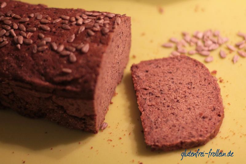 glutenfreies Saatenbrot ohne Hefe_scheibe aufgeschnitten nah