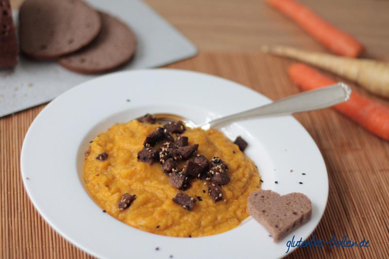 Möhren Pastinaken Suppe_auf dem Teller