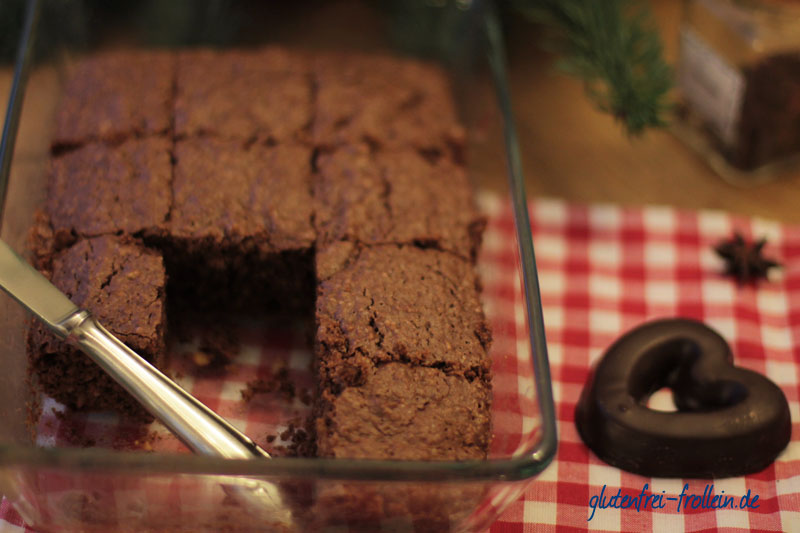 glutenfreie Lebkuchen Brownies in der Form