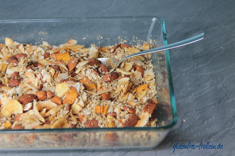 glutenfreies Karibik Müsli frisch aus dem Ofen